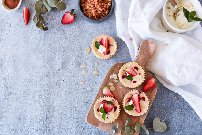 Jednostavne mini cheesecake košarice