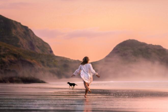 Ljeto je stiglo! Savjeti za savršen dan na plaži s vašim psom
