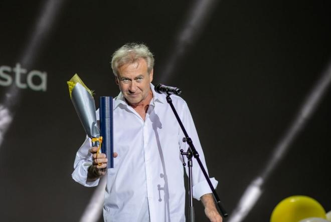 Velika zlatna arena filmu Plavi cvijet redatelja Zrinka Ogreste