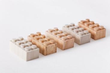 Drvene Lego kocke u eko borbi protiv originala