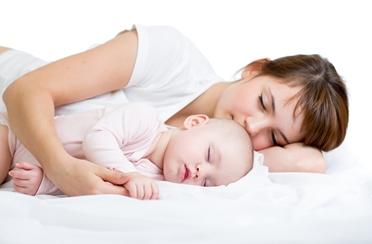 Kako se naspavati uz malu bebu