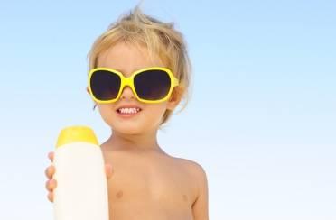 Sniženje parfema i proizvoda za sunčanje