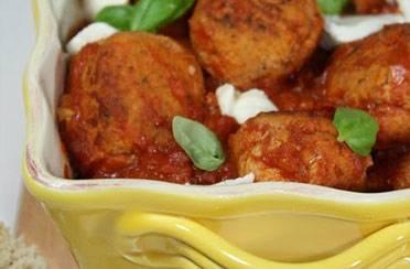 Puretina u umaku od mozzarelle i rajčice