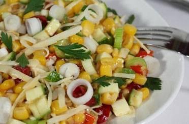 Šarena kukuruzna salata s čilijem